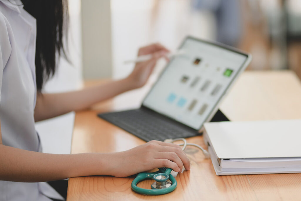 Healthcare practitioner using tech to improve the relationship with patients